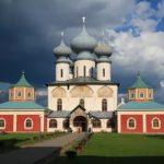 Тихвин. Свято-Успенский монастырь